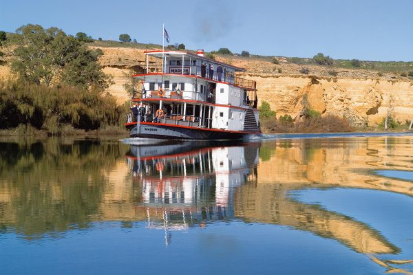 Paddlesteamers & riverboats of the Murray River - Australia Book by famous Australian photographer Pete Dobre