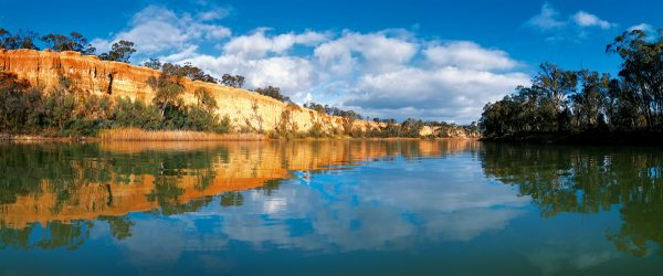 The Murray River – Australia's Greatest Waterway  Book by famous Australian photographer Pete Dobre - Page 91